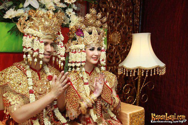 Arumi Bachsin wedding