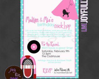 Invitación fiesta de calcetín Hop de los años por BellaLuElla