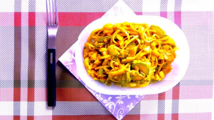 #schiscetta - Udon, verdure saltate wok e pasta di curry