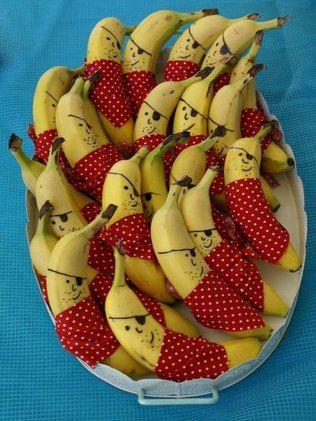 Pirata feito com banana e tecido é opção de comida divertida para o carnaval