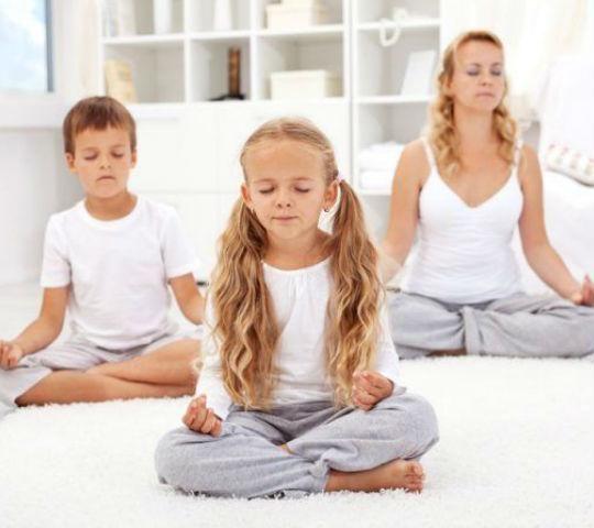 Cambian castigos por meditación en escuela y los resultados son sorprendentes Chopra Center, Depresion Infantil, Mindfulness Practice, Easy Workouts, Good Night Sleep, Feel Better, Feel Good, Exercise, Poses