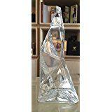 AnestasiA vodka 75cl Америка с най-добра дегустация Водка Създадена от известния дизайнер в Ню Йорк Карим Рашид, нашата бутилка представлява визуалното въплъщение на иновативния американски лукс.