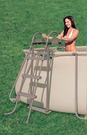 SCALA DOPPIA SALITA MARRONE CM.107 PER PISCINE https://www.chiaradecaria.it/it/accessori-per-piscine/15887-scala-doppia-salita-marrone-cm107-per-piscine.html