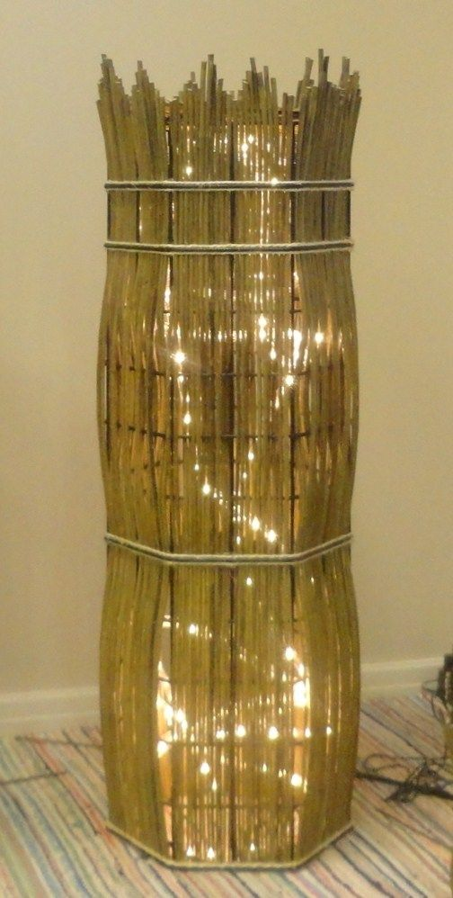 Pajutyö valaisinpylväs. Willow weaving light basket from Pajupaja.