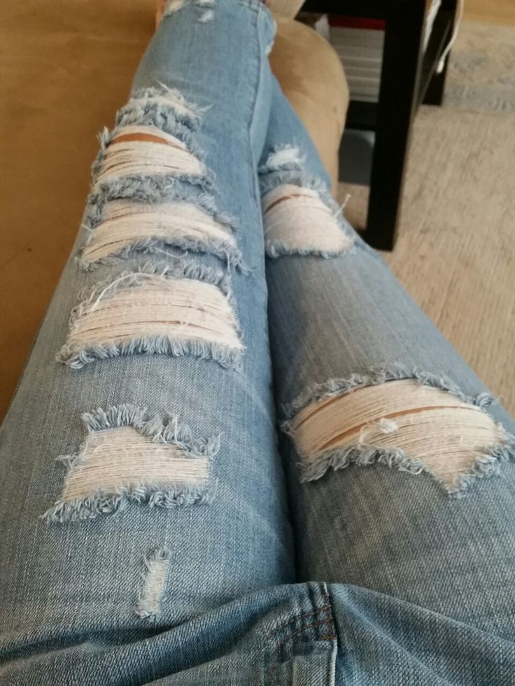 I love my ripped jeans!!