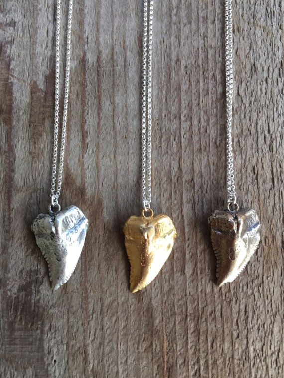 Large Shark tooth Necklace on Silver chain NSHKOS1 by joydravecky