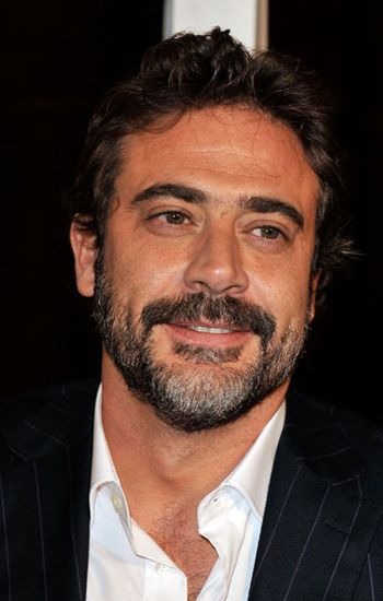The first time I saw Jeffrey Dean Morgan I thought: He looks like Javier Bardem!  Meaning: HOTNESS