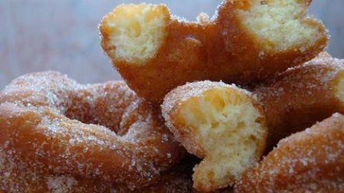 Roscos Fritos Te enseñamos a cocinar recetas fáciles cómo la receta de Roscos Fritos y muchas otras recetas de cocina.