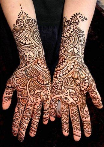 The most popular of all mehendi designs are the peacock. Brides have opted for a beautiful peacock design and it is looking very pretty.