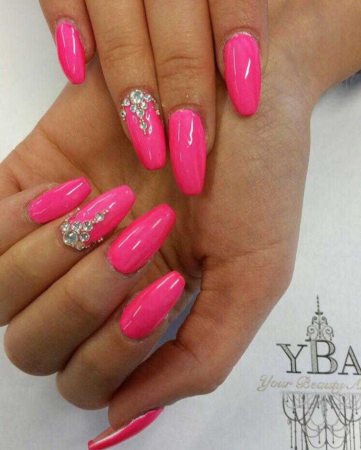 Summer in pink 💞  Your Beauty Artist     ⚜Susanna⚜