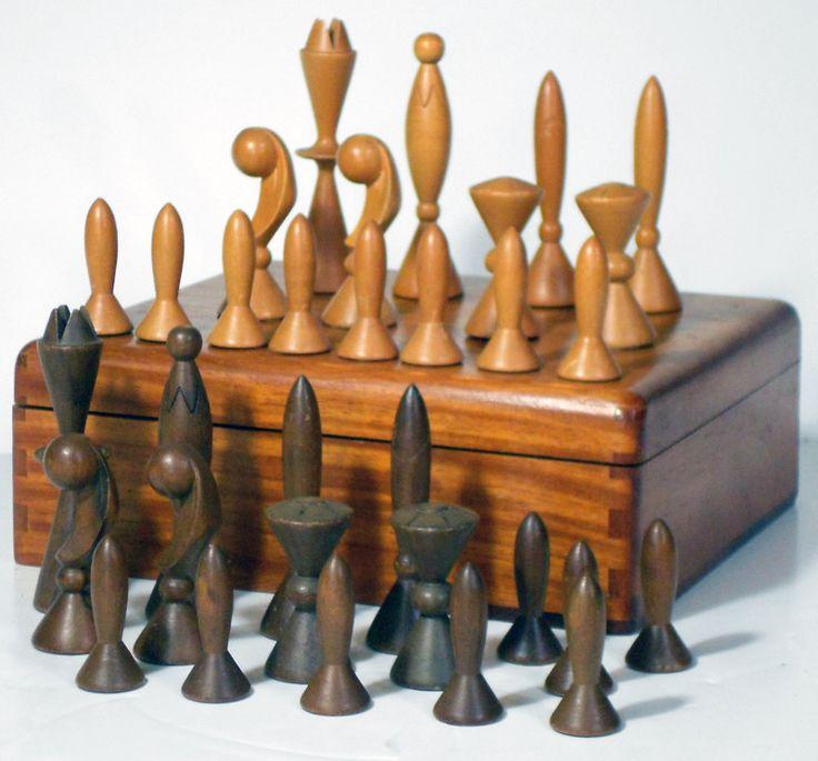 vintage space-age chess set / ebay