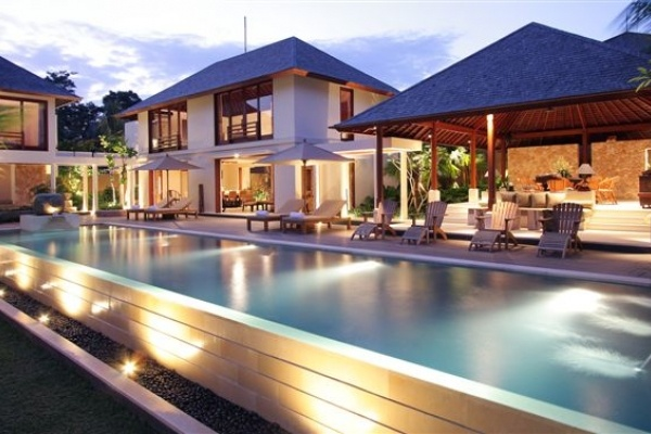 Villa Sakti is a six-star retreat focused on meeting all guest holiday needs. As its name implies, Villa Sakti creates a magical, almost supernatural environment for peaceful relaxation and rejuvenation.