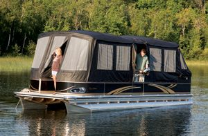Full camper enclosure for pontoon boats. #pontoonboats #avalonpontoons