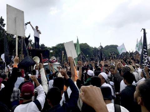 Demo Puluhan Ribu Umat Islam Diminta Bersatu Tolak Ahok - Amanah Anak Negeri