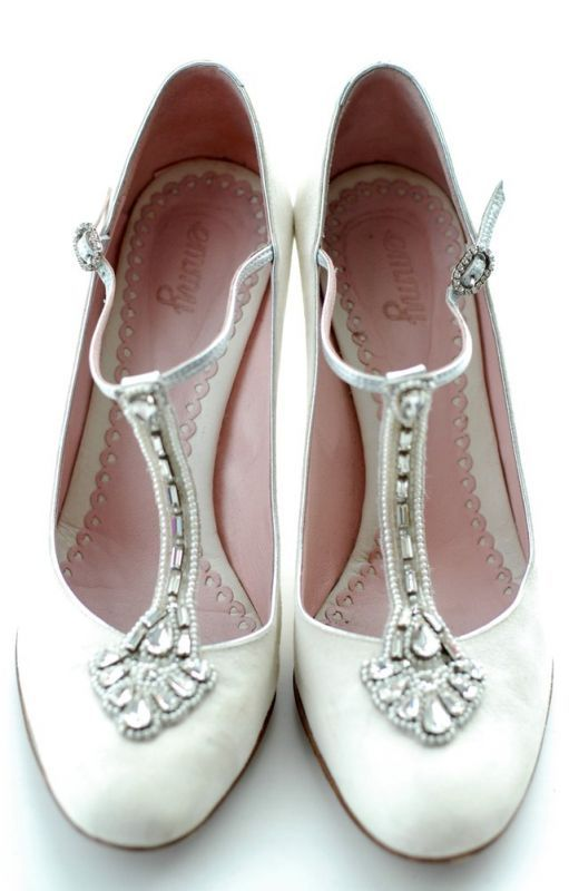 Matrimonio a tema ruggenti anni Venti: scarpe stile anni 20 #roaringtwenties #vintagewedding #matrimoniolowcost Roaring twenties wedding ideas: vintage shoes