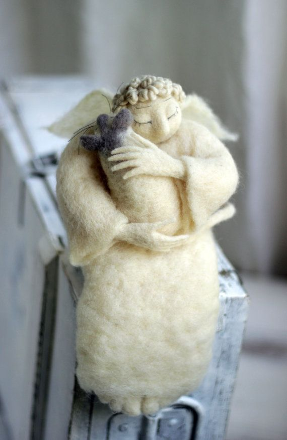 Dreamy Angel with A White Cat Needle Felted от FeltArtByMariana