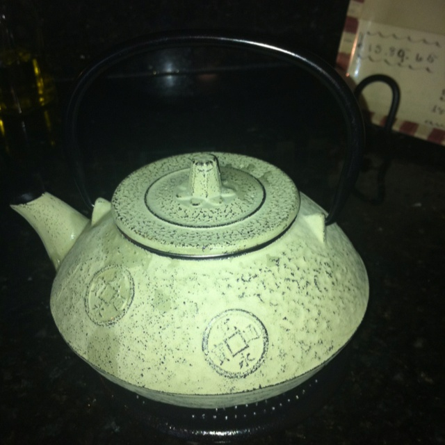 Teapot from my sister Lynda.: My Sister