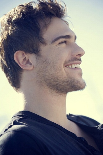 I may or may not have a huge crush on this dude. Grey Damon