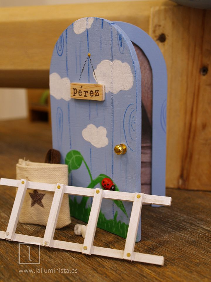M s de 25 ideas incre bles sobre puerta raton perez en - Puerta escalera ninos ...