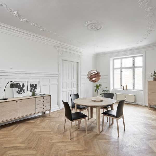 table ronde en bois style scandinave
