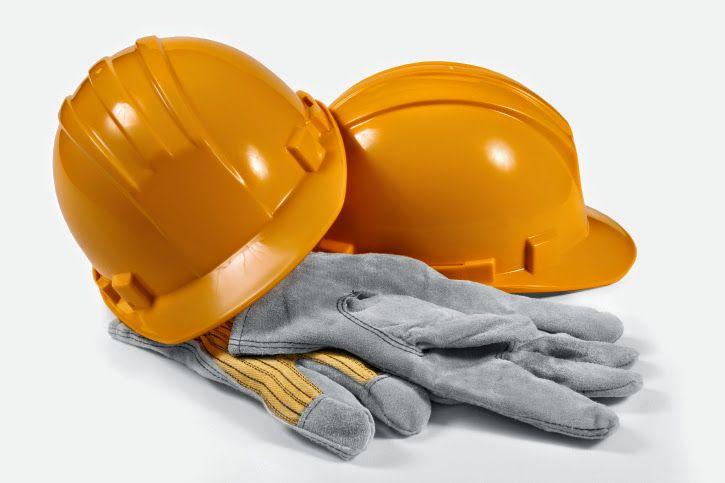 Zanim pracownik rozpocznie pracę na stanowisku, musi odbyć stosowne przeszkolenie w zakresie bezpieczeństwa i higieny pracy.
