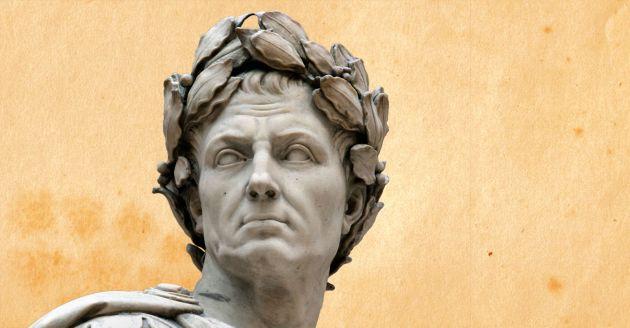 """Tutto scorre sosteneva il filosofo grego Eraclito. """"Nulla si crea nulla si distrugge"""" aggiungeva più di 2.000 anni dopo lo scienziato Antoine-Laurent de Lavoisier. Avevano ragione: la natura ricicla tutto. Un esempio? Prendete Giulio Cesare: i miliardi di miliardi di miliardi di atomi che componevano il suo corpo sono ancora tra noi. Qualcuno più vicino di quanto immaginiamo."""
