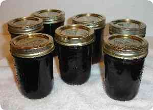 How to make homemade grape jelly from bottled or frozen grape juice - easily!