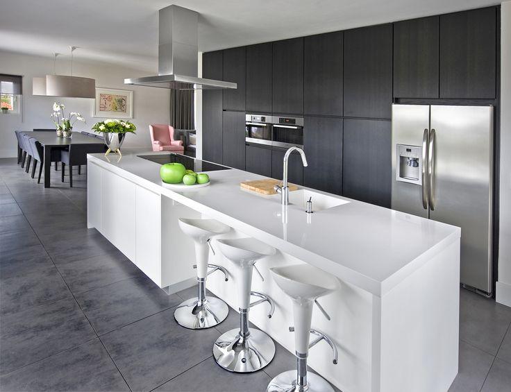 Moderne decoratie de amerikaanse keuken. koele moderne decoratie