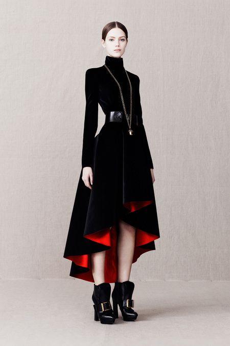 Alexander McQueen PreFall2013 Look10 - Looks like a Star Wars dress, and I want it.