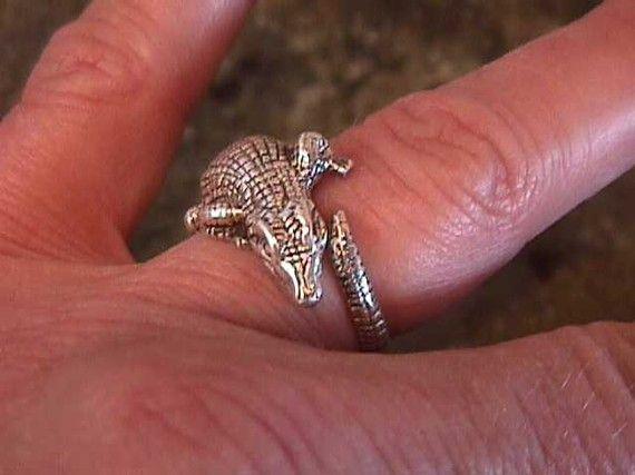 Maybe it's a croc, but if it was on my finger I'd call it a Gator.