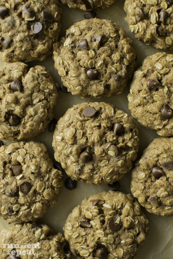 Soft-baked & chewy healthier oatmeal cookies made from just a few ingredients. Nothing complicated, just pure goodness!