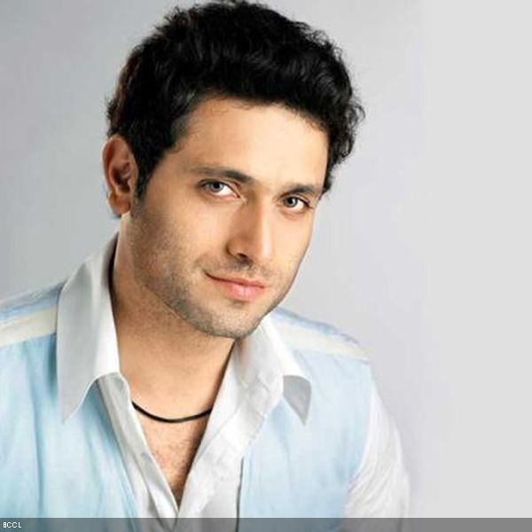 50 Handsome Hunks in Bollywood: Shiney Ahuja
