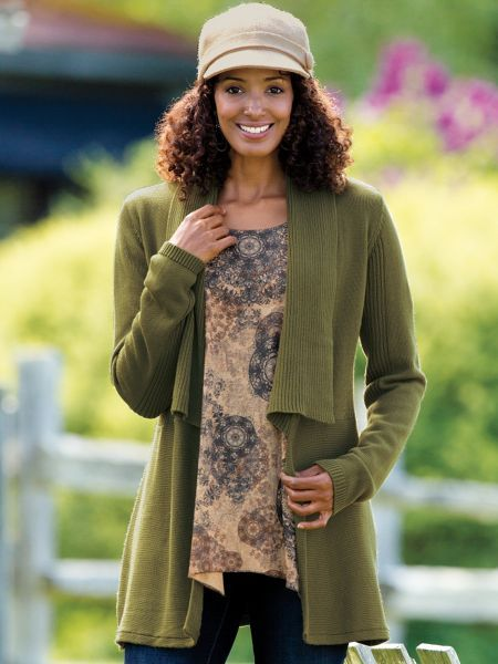 Women's Outfit Maker Tunic Cardigan - Tossed over a tee & jeans or belted over a dress, our Outfit Maker Tunic Cardigan instantly raises your style score. Covers hips, bum and all occasions. | Sahalie.com