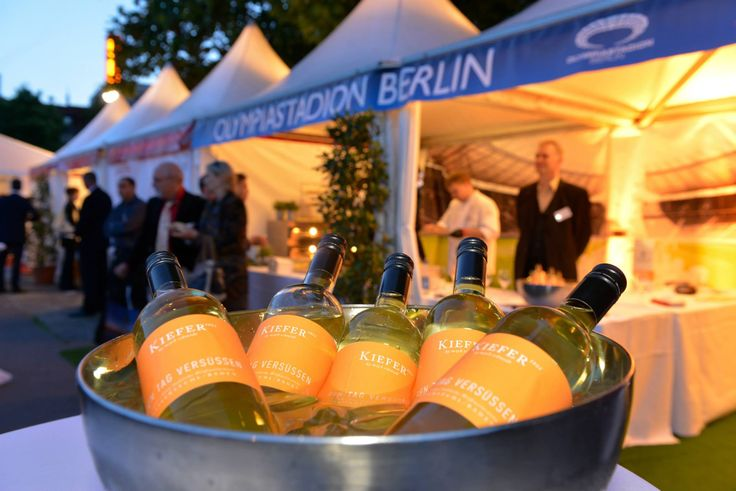 Unser Star liebliche Weißweincuvée aus Scheurebe, Muskateller, Rivaner