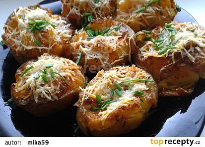 Pečené brambory s parmazánem recept - TopRecepty.cz