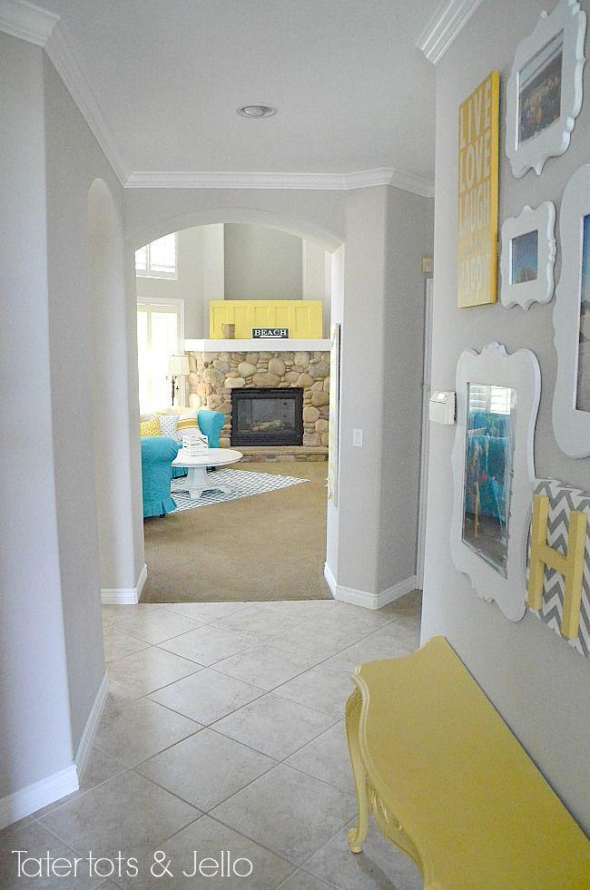 turuoise and yellow home decor, grey wall paint ---- pour le couloir du haut !!!