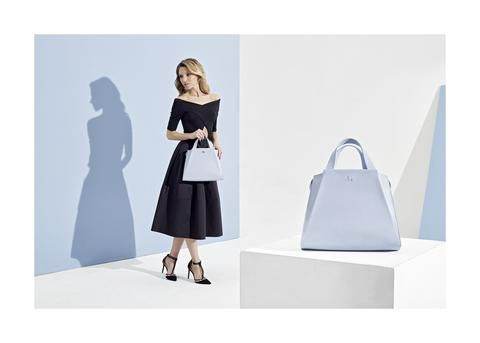 The Silhouette collection provides essential pieces for unique and stunningly stylish women.The bags of the collection were created for AGNESKOVACS's