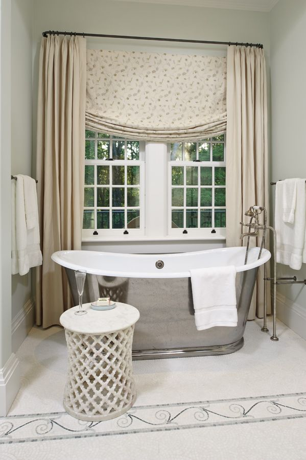 Beautiful Soaker Tub | Glave and Holmes Architecture