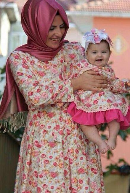 Tesettür Anne Kız Kombinleri ve Kıyafetleri