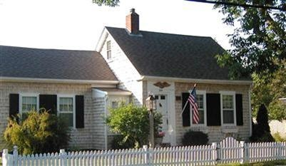 17 best images about cape cod style homes on pinterest for Cape cod home additions
