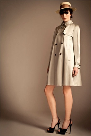 Themes from Pre-Fall 2013 in Milan. Temperley London Trench coats! - Vogue.it