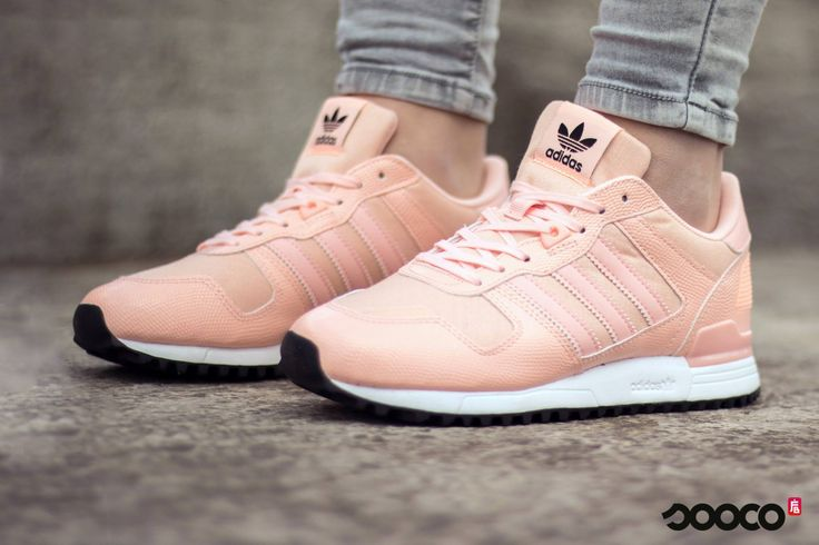 New in ✨ Hoe tof zijn deze roze Adidas sneakers? https://www.sooco.nl/adidas-zx-700-w-roze-lage-sneakers-28751.html