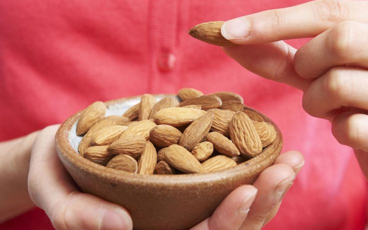 There are many heath benefits of eating almond in breakfast. It can help you to kick start your day with energy or power. You feel rejuvenating for the entire day. Women must eat almond daily as it helps in weight loss as well as good for skin. Although, other nuts also helps in weight loss. It also boosts mental health with physical health.