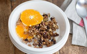 Seeded Weet-Bix Granola For a real kick-start to the morning, try this wholesome and moreish granola with its tantalizing combo of pumpkin and sesame seeds with apple, oats and Weet-Bix.