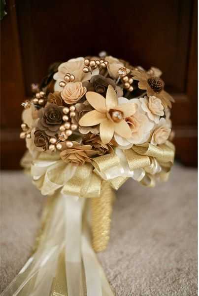 #Gold wedding bouquet ... Wedding ideas for brides, grooms, parents & planners ... https://itunes.apple.com/us/app/the-gold-wedding-planner/id498112599?ls=1=8 … plus how to organise an entire wedding, without overspending ♥ The Gold Wedding Planner iPhone App ♥: