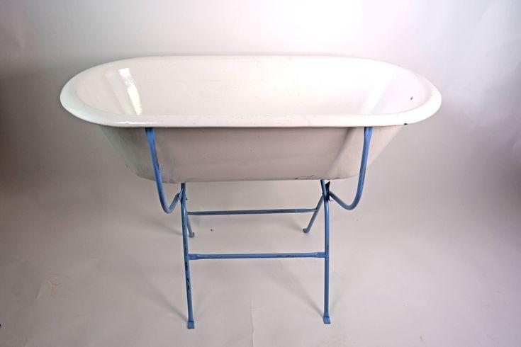 Best 25 metal tub ideas on pinterest barn horse trough for European steel enamel bathtub