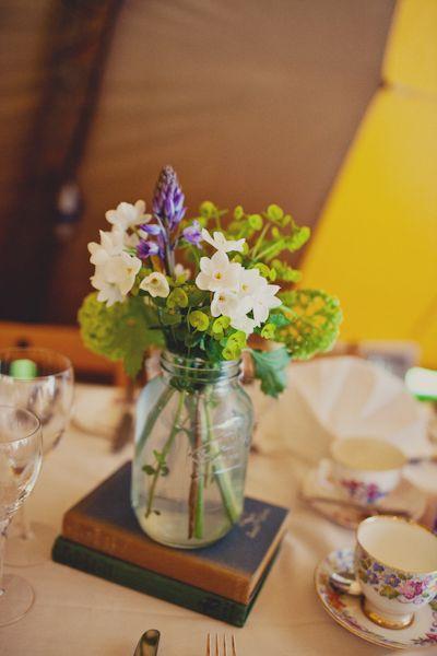 centerpieces: Country Wedding Flower, Receptions Centerpieces, English Country Wedding, Old Book, Flower Centerpieces, Country Weddings, Book Centerpieces, Book Flower, Mason Jars