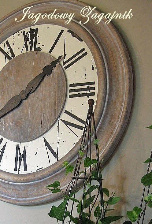 Jagodowy zagajnik: Zegar z przyległościami .