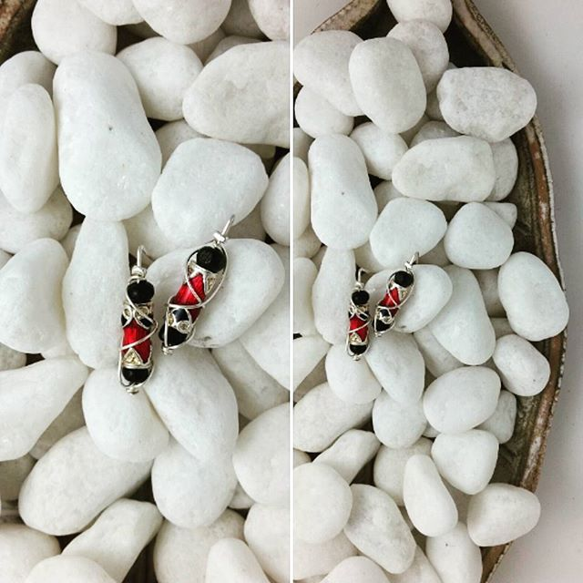 #undercoverhippie #jewelry #earrings #handcrafted #silver #red #bead #earstuds