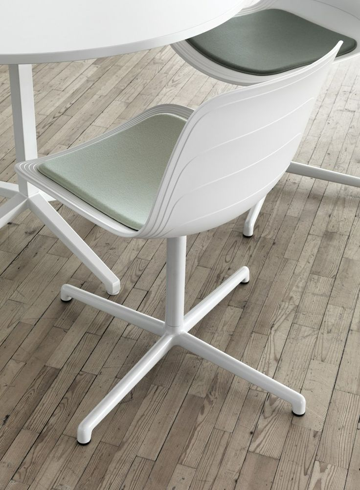 1000+ ideas about Plastic Chairs on Pinterest Wire Chair, Children Furniture and Chairs